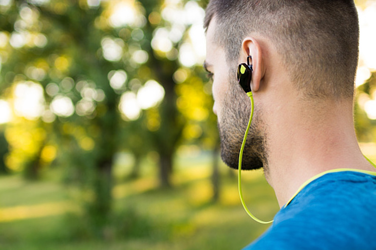 Earphones for Running that Don't Fall Out-2